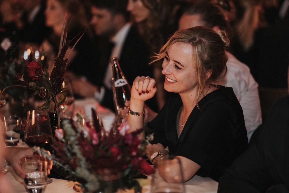 Hochzeit_Düsseldorf_Seifenfabrik_DrThompsons-0125.jpg