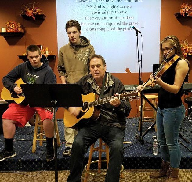 Student Worship Teams Lead Wednesday Chapel