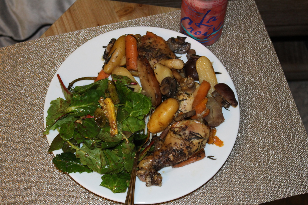A look into my hubby's plate: Skinny Slowcooker fixings + a side of Dijon Balsamic Veggie Salad!