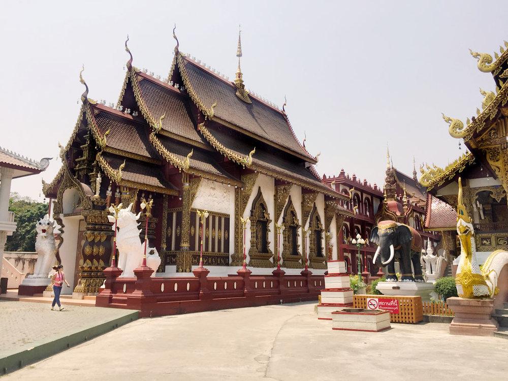 Wat Saen Muang Ma Luang_IG.jpg