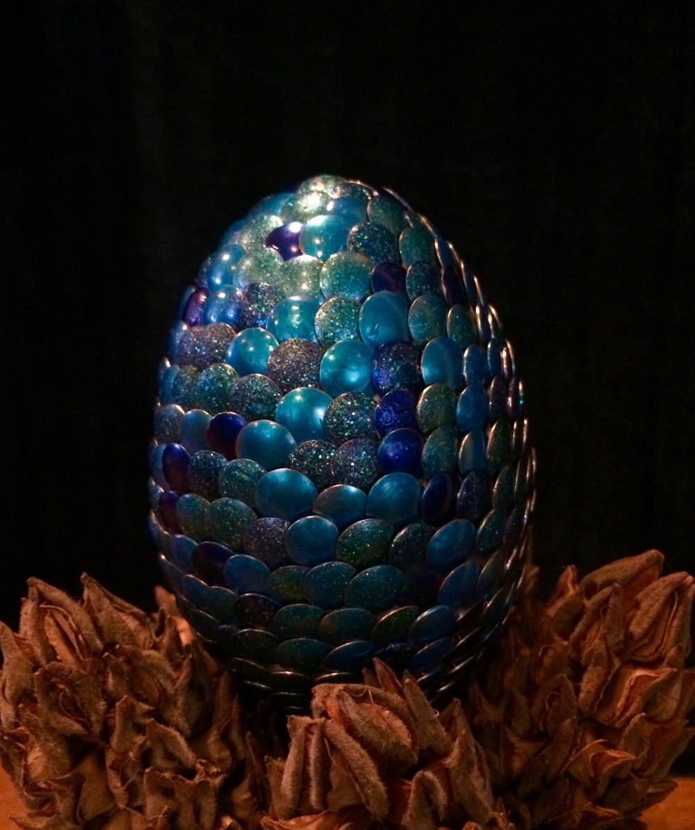 Egg of the Northern Blue-Bellied Possible