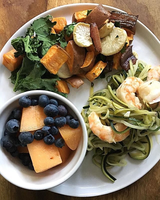 Why make half of your plate produce when you can make your whole plate produce? #dietitian #autoimmune #wahlsprotocol #homemade #recipe #glutenfree #lactosefree #grainfree #dietitianapproved