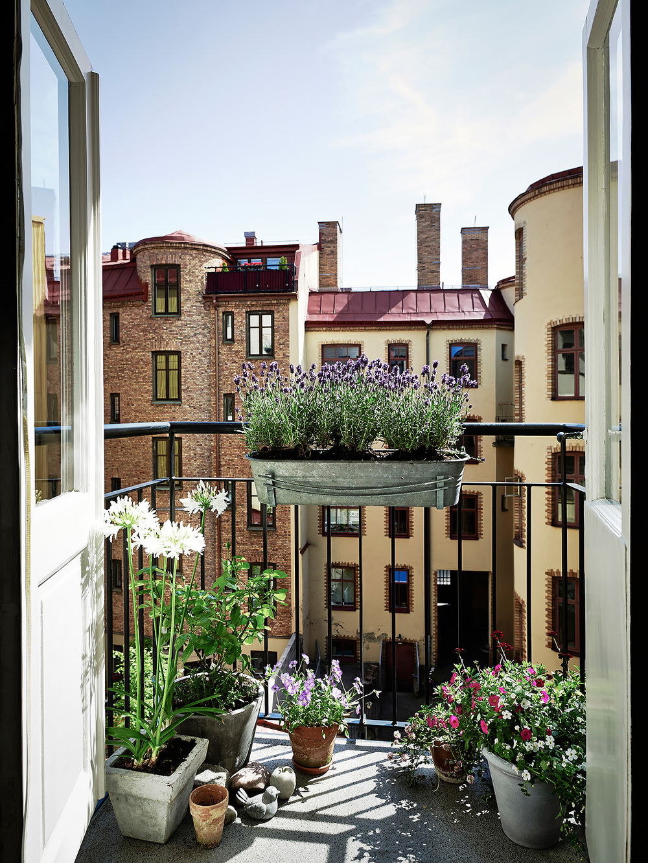 Balcony overlooks garden
