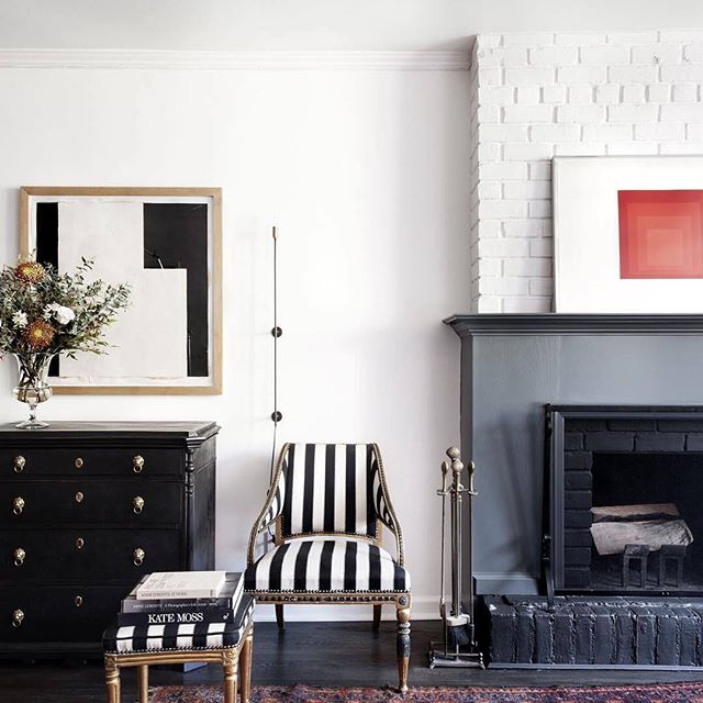 Scandi style in black and white 💕 || #interiordesign by Liza Laserow & photo via @1stdibs