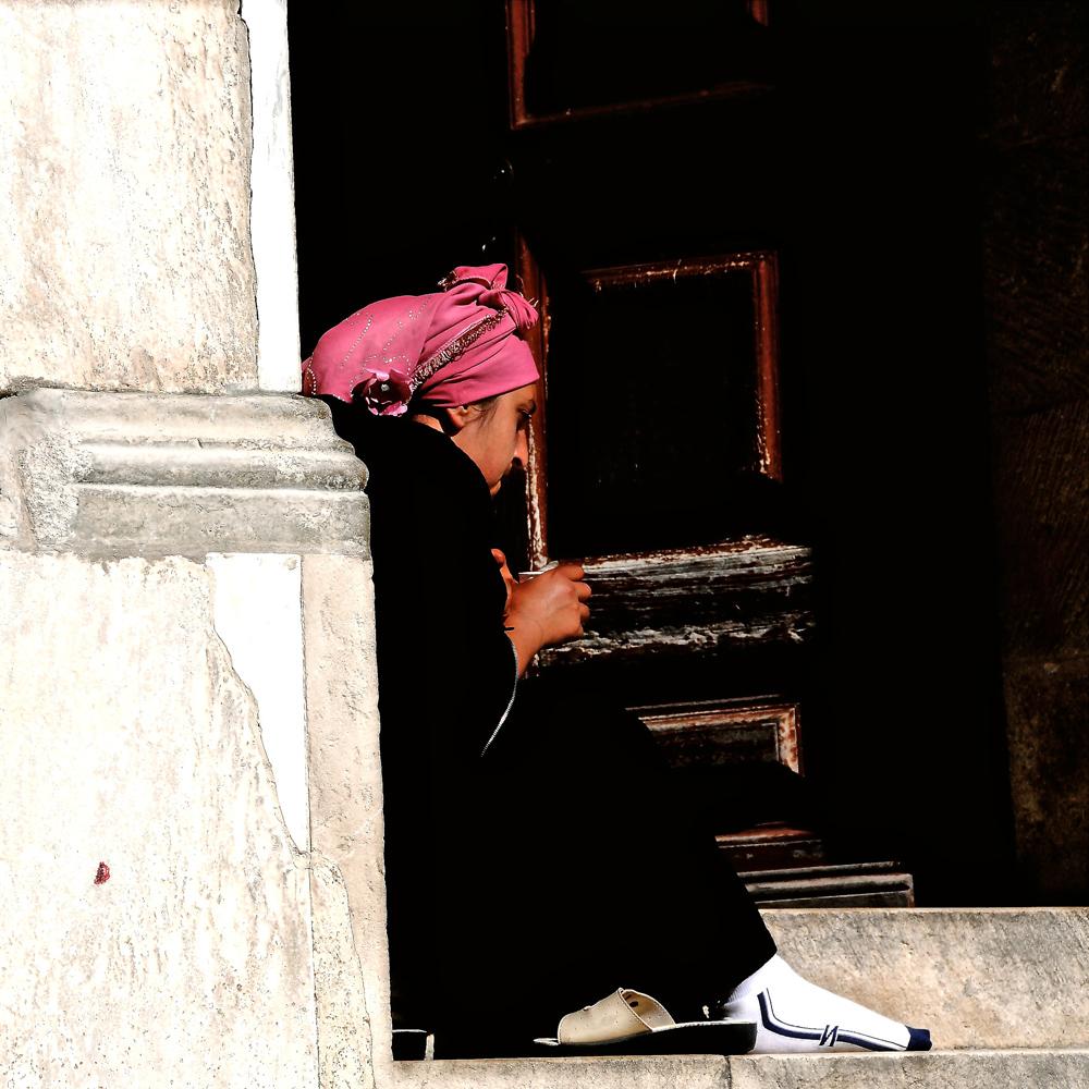 """Paris Canvas: Pink headdress"""