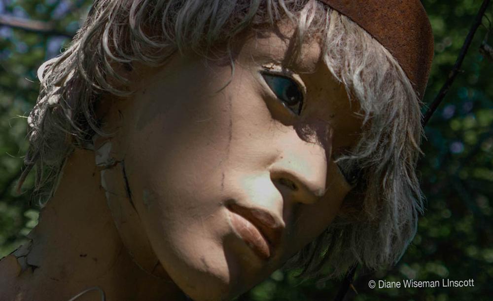 """Mannequin Series: Girl, sad"""