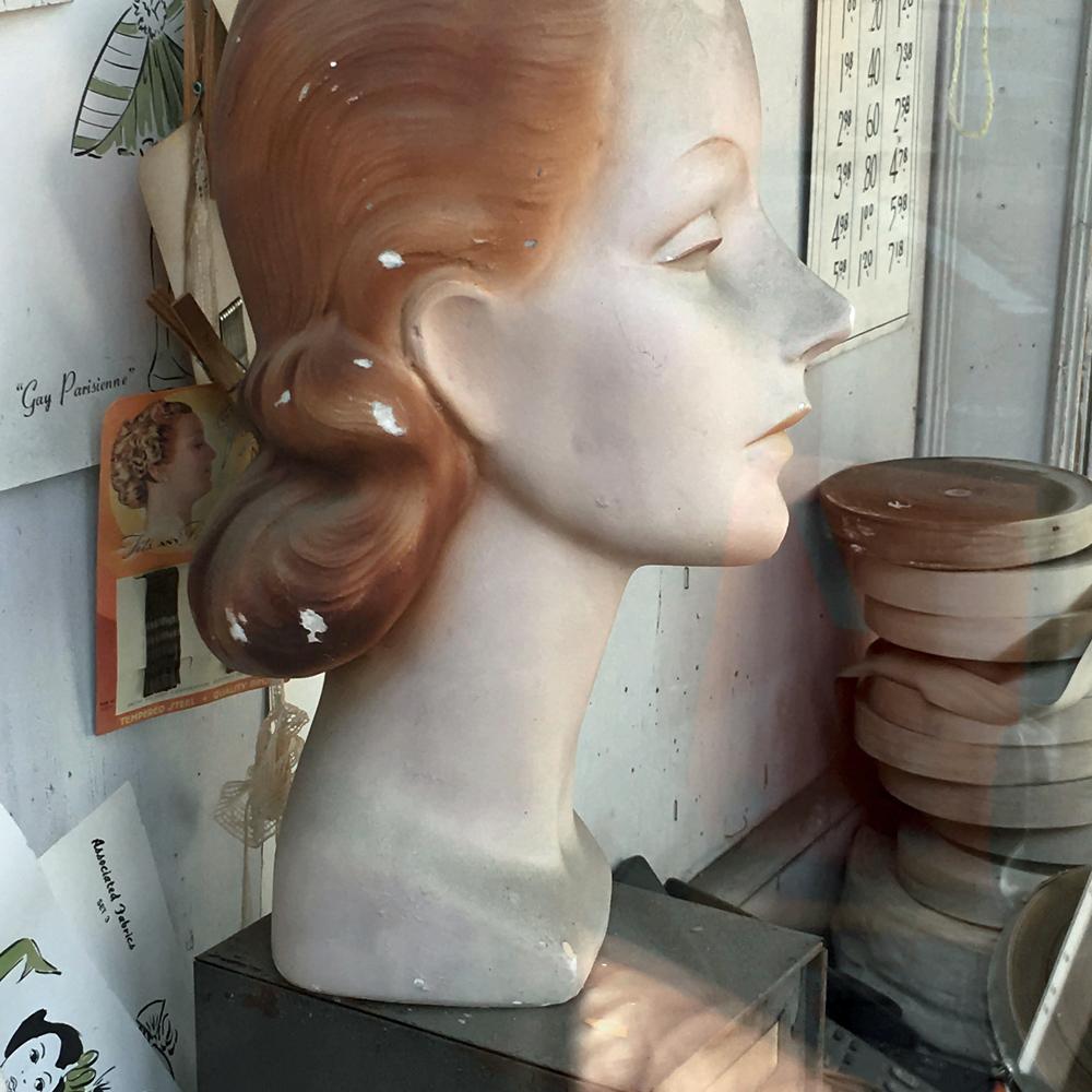 """""""Mannequin:Profile 41317"""""""