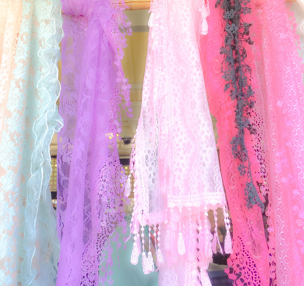 """Charleston Canvas-Frilly scarves"""