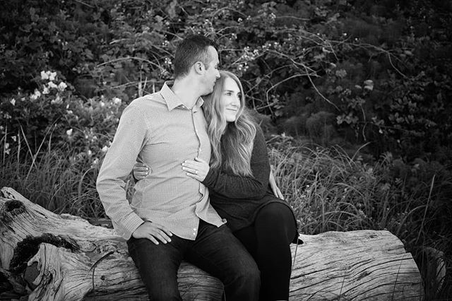 Mr. and soon-to-be Mrs. Trbic! ❤️ #engagementphotos #engagementshoot #lindelofphotography #LPcouples #Washingtonphotographer #Oregonphotographer #2018weddings #love #beachshoot