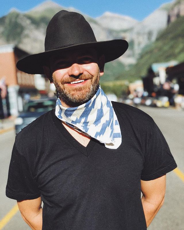 Our bandanas aren't just for your furry companions, here's @bjblackburn wearing the Ikat Diamond Streak.  What color ways do you want to see this fall?