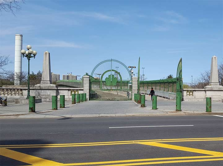 THE 138TH STREET ENTRANCE. THE ONE YOU SHOULD USE.