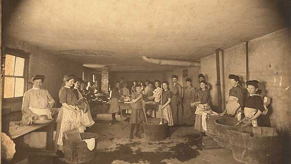 Girls doing chores at the Home