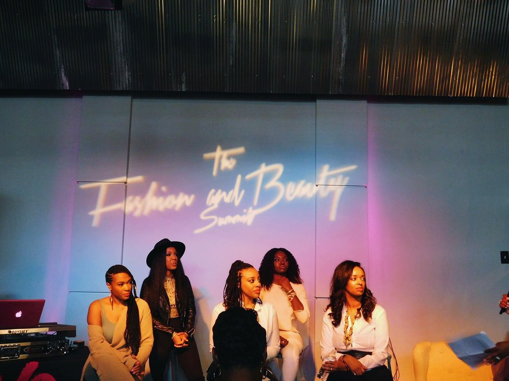 The Business of Blogging Panelists (from left to right): Mia Ray, DeLaurian, Shareese Shorter, Janae Mason, Jessica Hayes-Stallings.