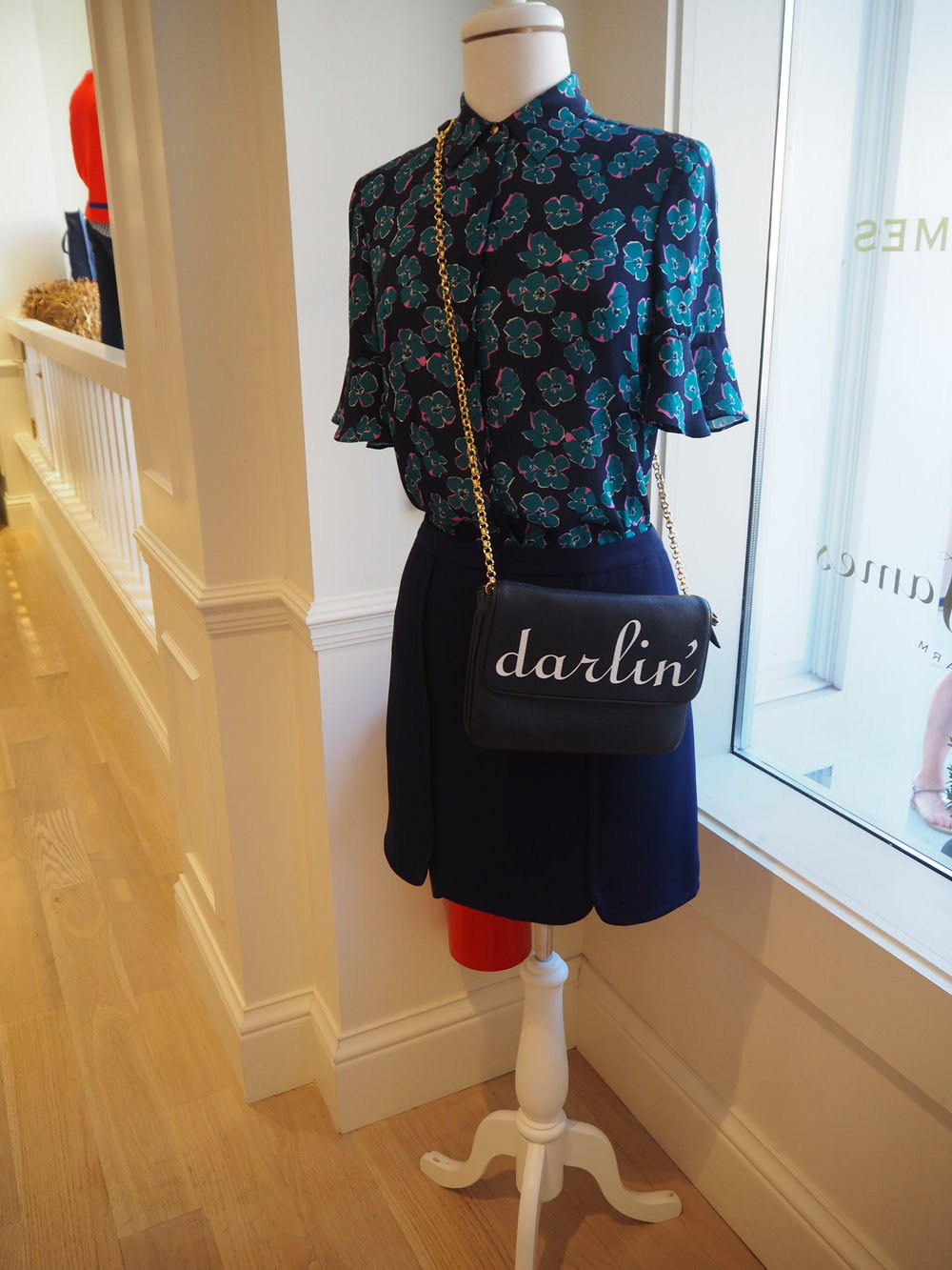 Darlin' clutch bag at Draper James. Lifestyle brand by Reese Witherspoon, in Nashville Tennessee. Click here for more info.