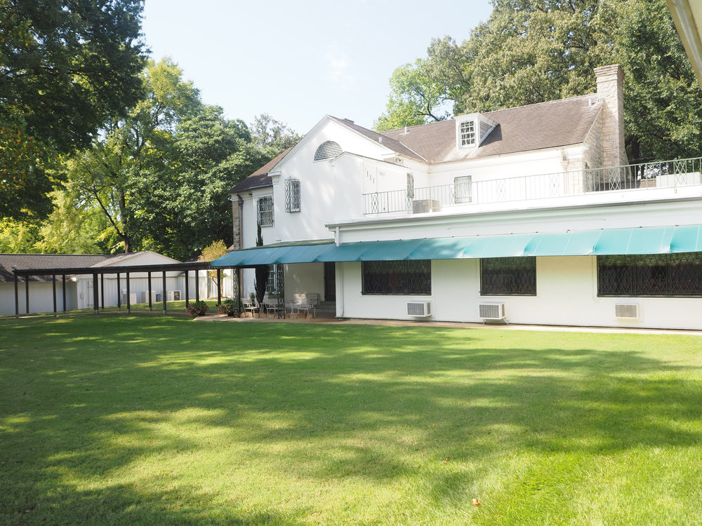 Elvis Presley | Graceland. The back of the house and out buildings. Click for more photos.