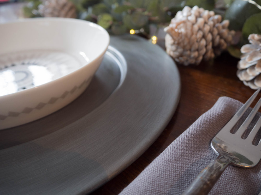 MY CHRISTMAS TABLE WITH ISAK HOMEWARE