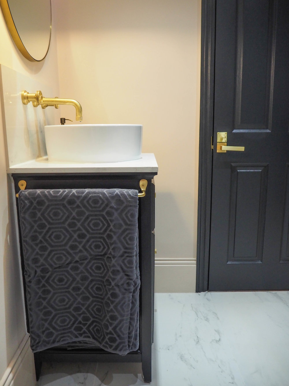 BATHROOM ACCESSORISING WITH SAINSBURY'S HOME