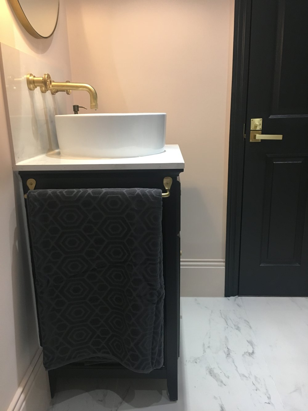 Farrow and ball pink ground and railings marble  bathroom