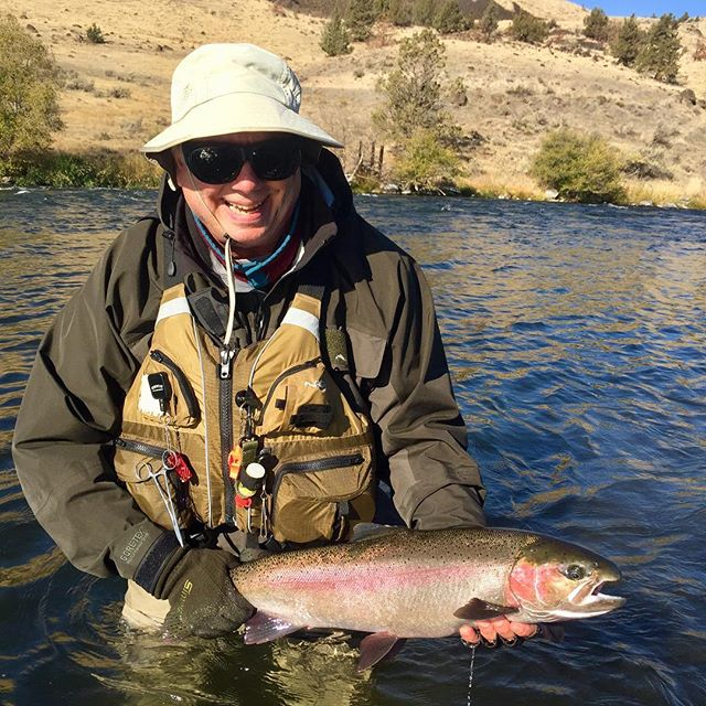 The steelhead have been a little hard to come by the season, but the ones that we are catching have good ones. #patientangler #deschutesriveranglers #keepemwet #deschutesriver #campingtrips #lostcoastoutfitters