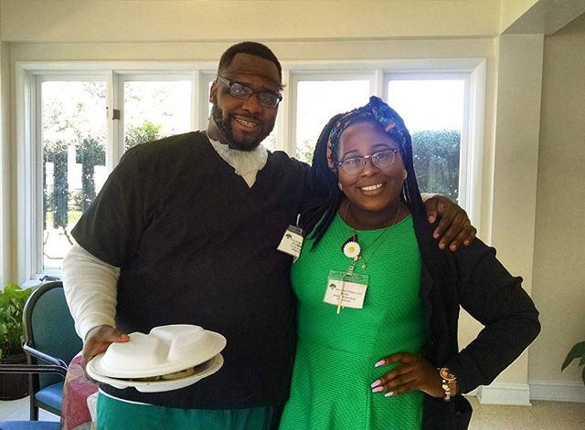 Happy Food Service Workers Week! Thank to our dietary staff for providing nutritious and tasty food! #fiveoaks #fiveoaksmanor #foodservice #foodserviceweek #dietary #shorttermrehab #healthy  #seniorcare #staffmemberswhocare