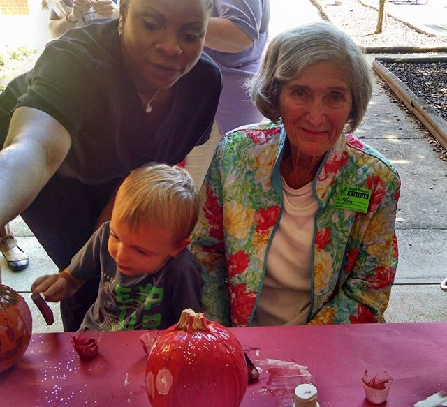 Happy Friday, Everyone! Yesterday some of the residents painted pumpkins with the Kindergarten class at a local elementary school. Residents and kids had a lot of fun! #fiveoaksmanor #shorttermrehab #longtermcare