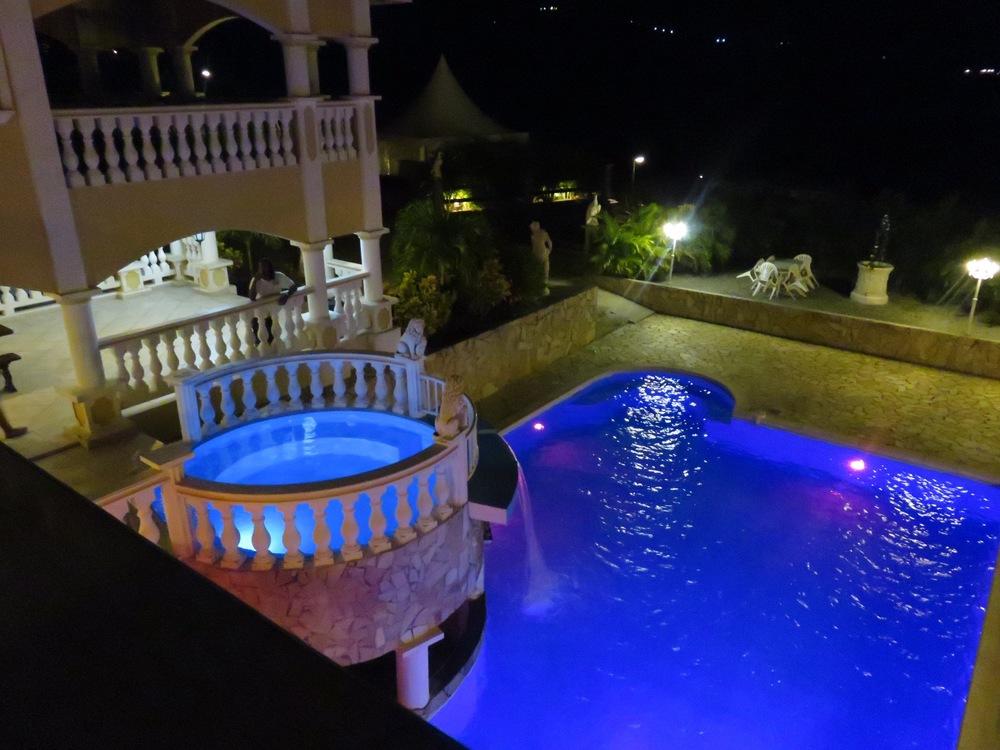 Villa Toscane.jpg