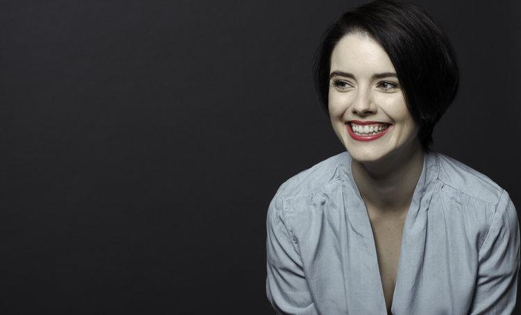 Lara+bio.jpg