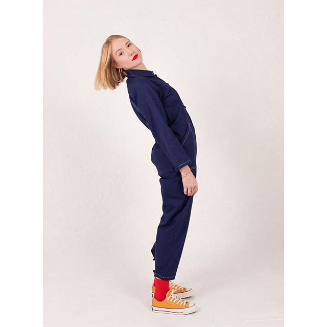 ❄️ BABY IT'S COLD OUTSIDE ❄️ Its absolutely time to #treatyoself to some cosy get ups. Our ⭐️ERIN BOILERSUIT⭐️ is our take on workwear for gals. It's ethically made from thick denim cotton and is super DUPER warm in this chilly weather! #getyours 🙌🏻🔥