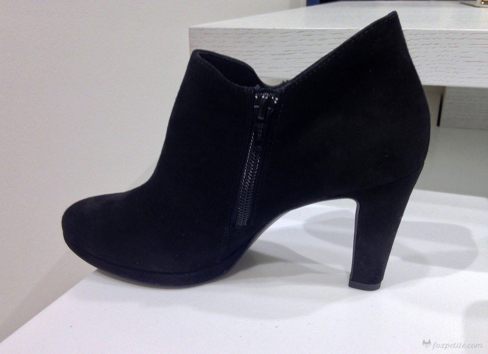 Paul Green 'Jazzy' bootie in size 3.5 UK (US size 6)  (here)