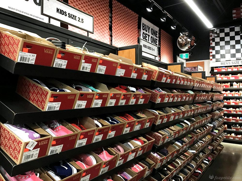 Fox Petite - Vans Shoes Kids Section