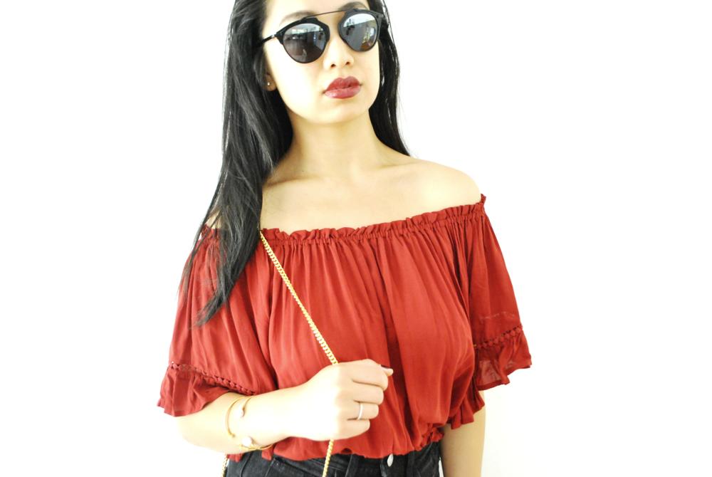 Blouse: XXI, Shorts: H&M, Bag: Chloe, Sunglasses: Dior, Bangles: Tiffany's and Jolie & Deen, Nails: Chanel, Lips: MAC Del Rio