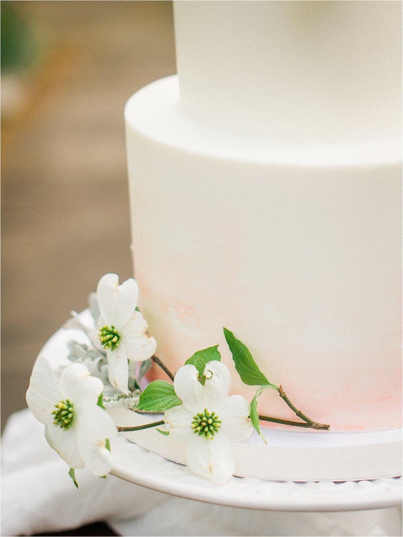 dogwood wedding cake | Garden Wedding