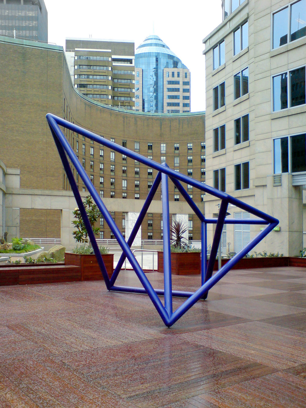 Vessel #2 (Blue),  2007 Painted steel, 376 x 462.5 x 419cm Collection UBS, Australia Photography: Hilary Jackman