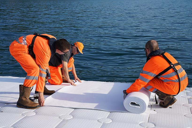 christo-jeanne-claude-floating-piers-lake-iseo-italy-designboom-07.jpg