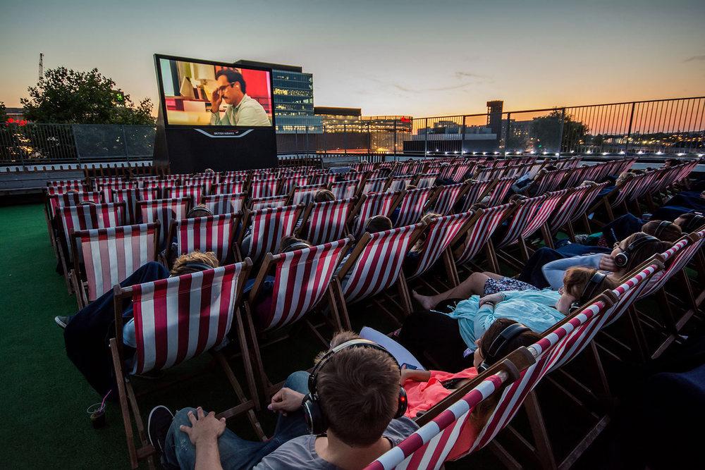 large_rooftop-cinema-club-outdoor-film-screenings-brooklyn-bushwick.jpg
