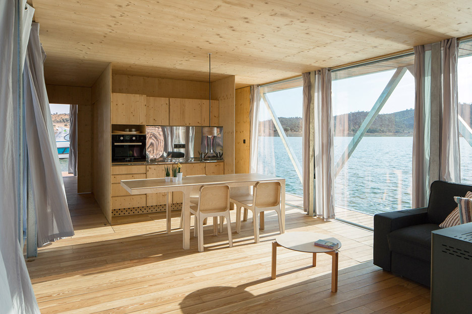 Floating-House_Friday-SA_Jose-Campos_dezeen_936_10.jpg