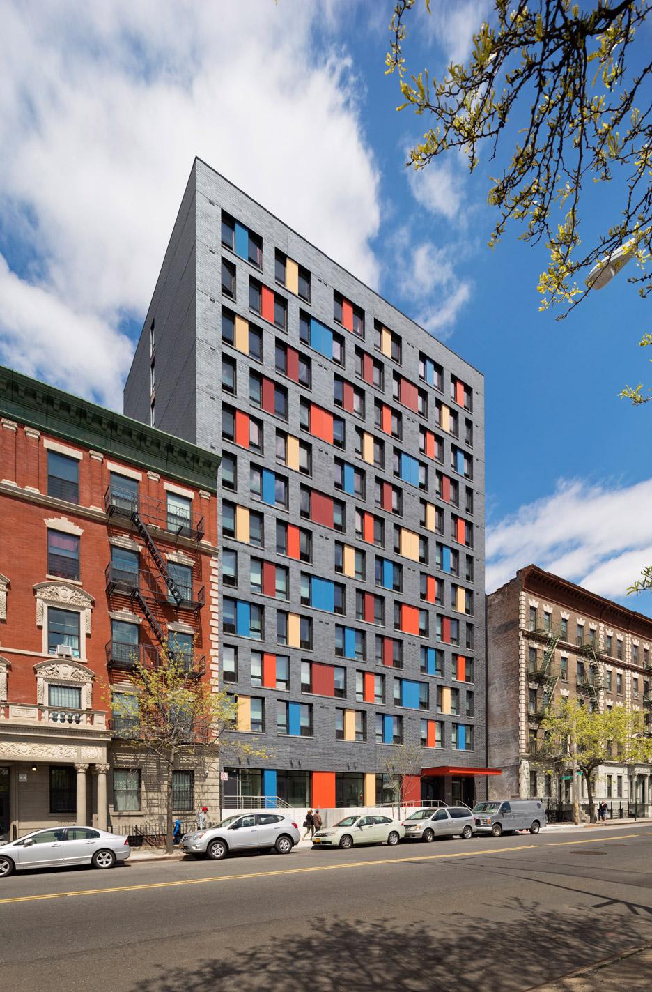 boston-road-housing-gorlin-architects_dezeen_936_3.jpg
