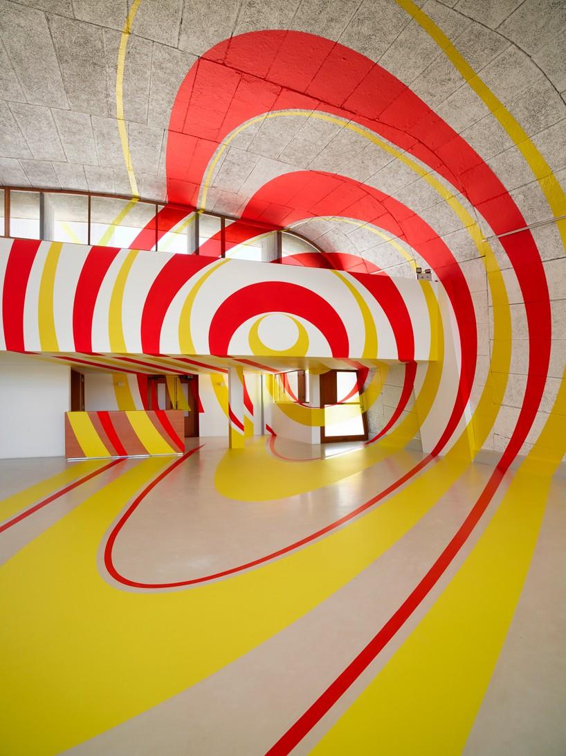 exhibition-ciel-ouvert-felice-varini-mamo-designboom--818x1091.jpg