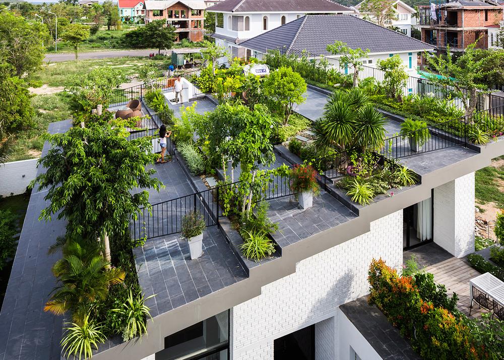 house-in-nha-trang-vo-trang-nghia-masaaki-iwamoto-vietnam-photographer-hiroyuki-oki_dezeen_1568_0.jpg