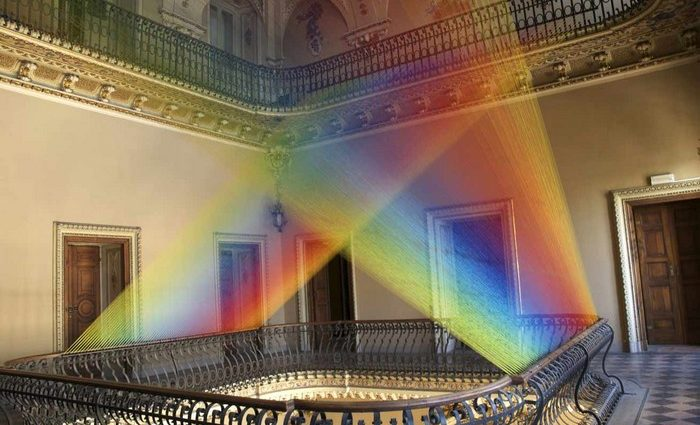 Gabriel-Dawe-colorful-art-installation-arts-and-crafts-I-Lobo-you10-700x425.jpg