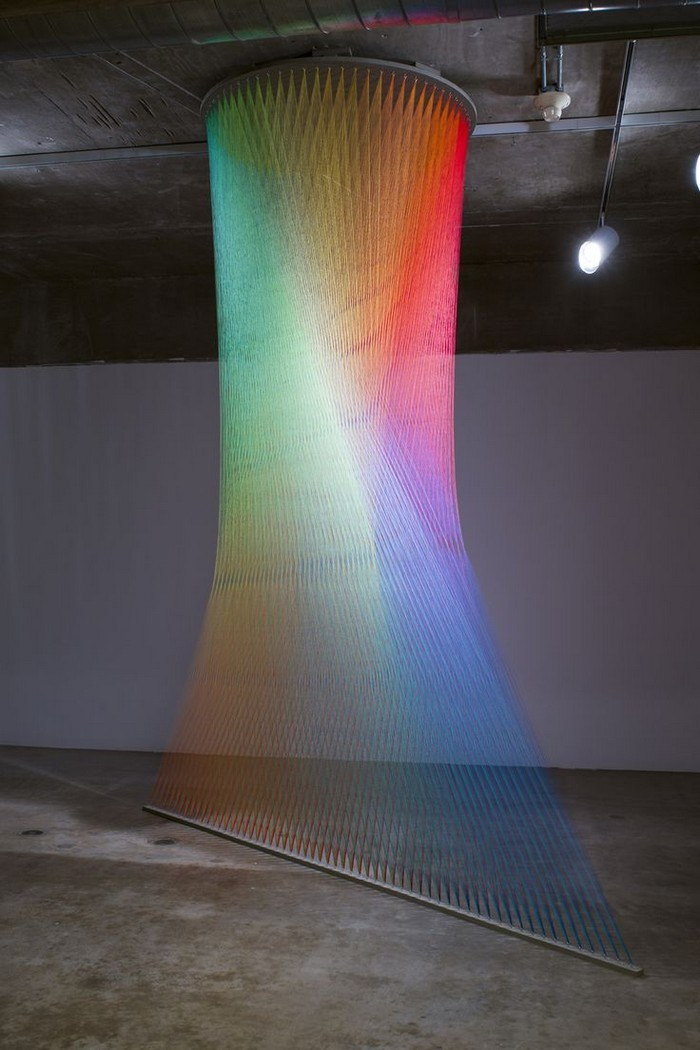 Gabriel-Dawe-colorful-art-installation-arts-and-crafts-I-Lobo-you6.jpg