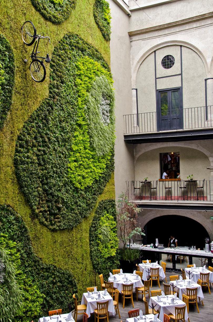 Roundup-Living-Wall-4-Hotel_DownTown_.jpg