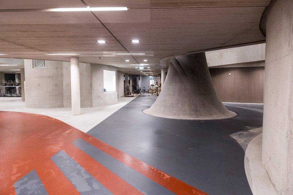 stationsplein-bicycle-parking-utrecht-architecture_dezeen_2364_col_9.jpg