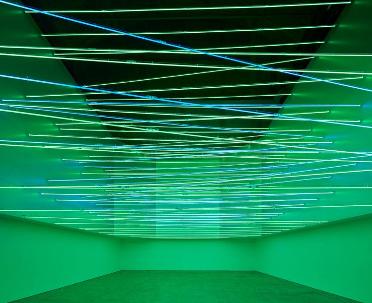 lucio-fontana-exhibition-hangarbicocca-4.jpg