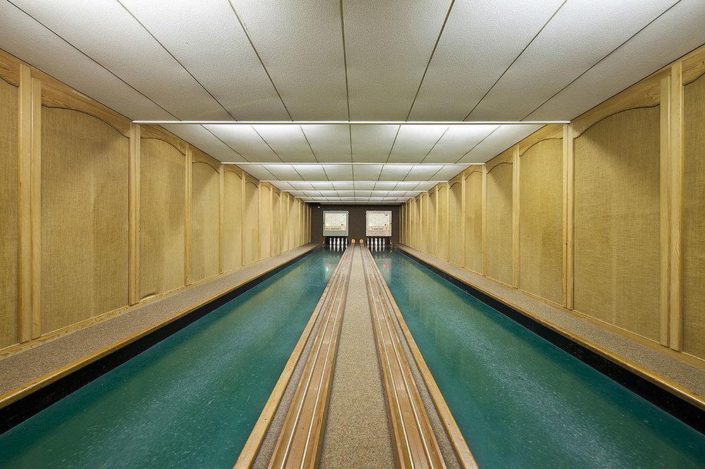 vintage-bowling-alleys-robert-gotzfried-1.jpg