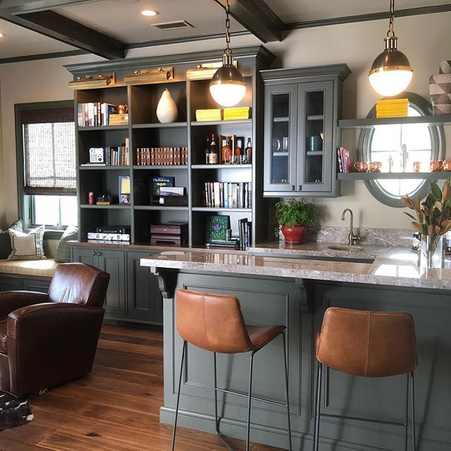 Early cheers to thanksgiving and all that we have to be thankful for.  Beautiful bar in a home we recently completed in the palisades. #jwid #thanskgiving #thankful #bars #interiordesign