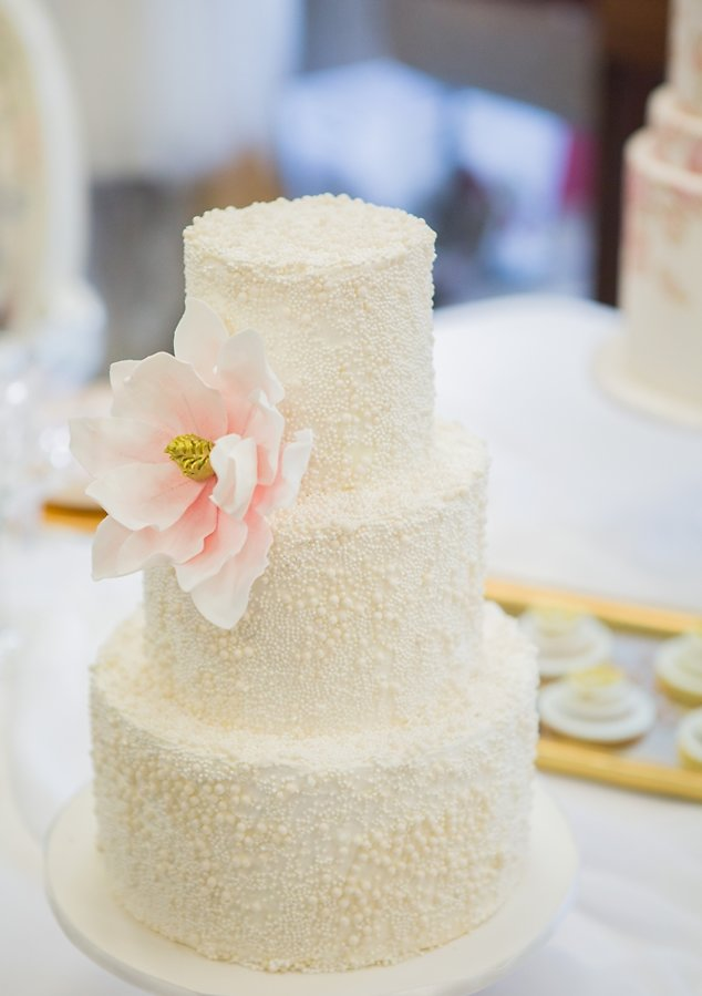 pearl-wedding-cake-perth-wedding-upmarket