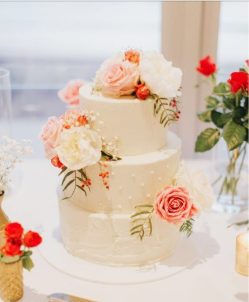 buttercream-wedding-cake-bathers-beach-house-nathan-and-tracey