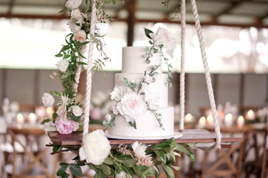 Wild Romance shoot at Quarry Farm - Featured on The Wedding Network