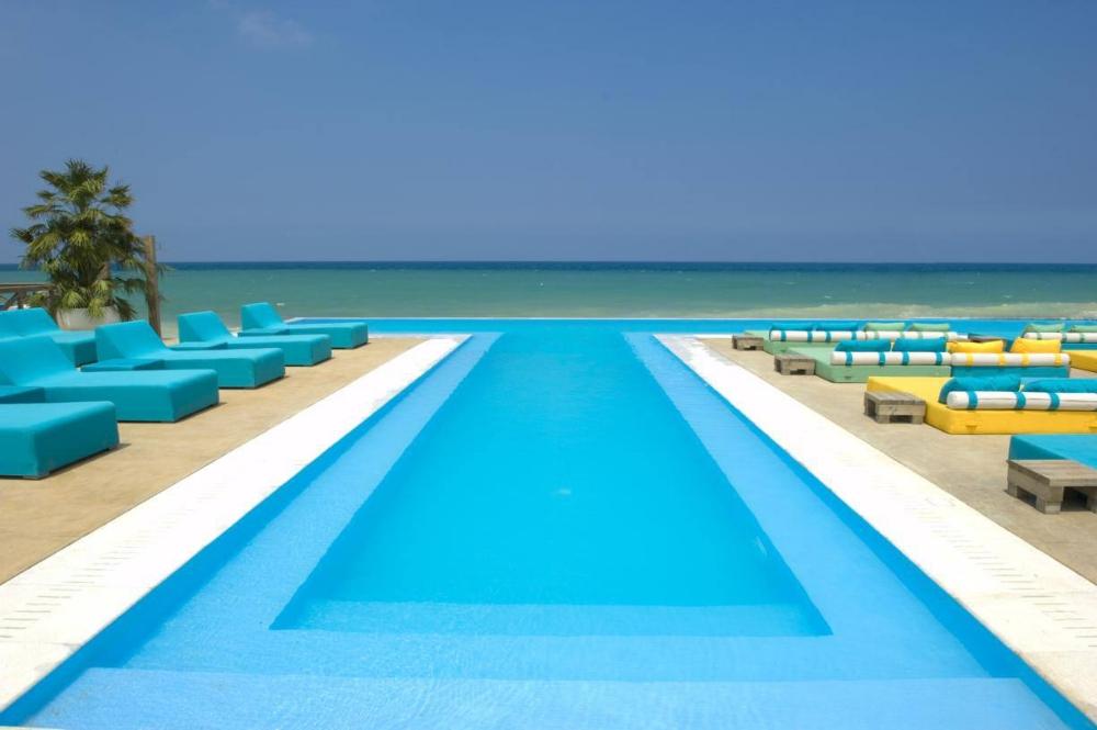 iris-beach-pool.jpg